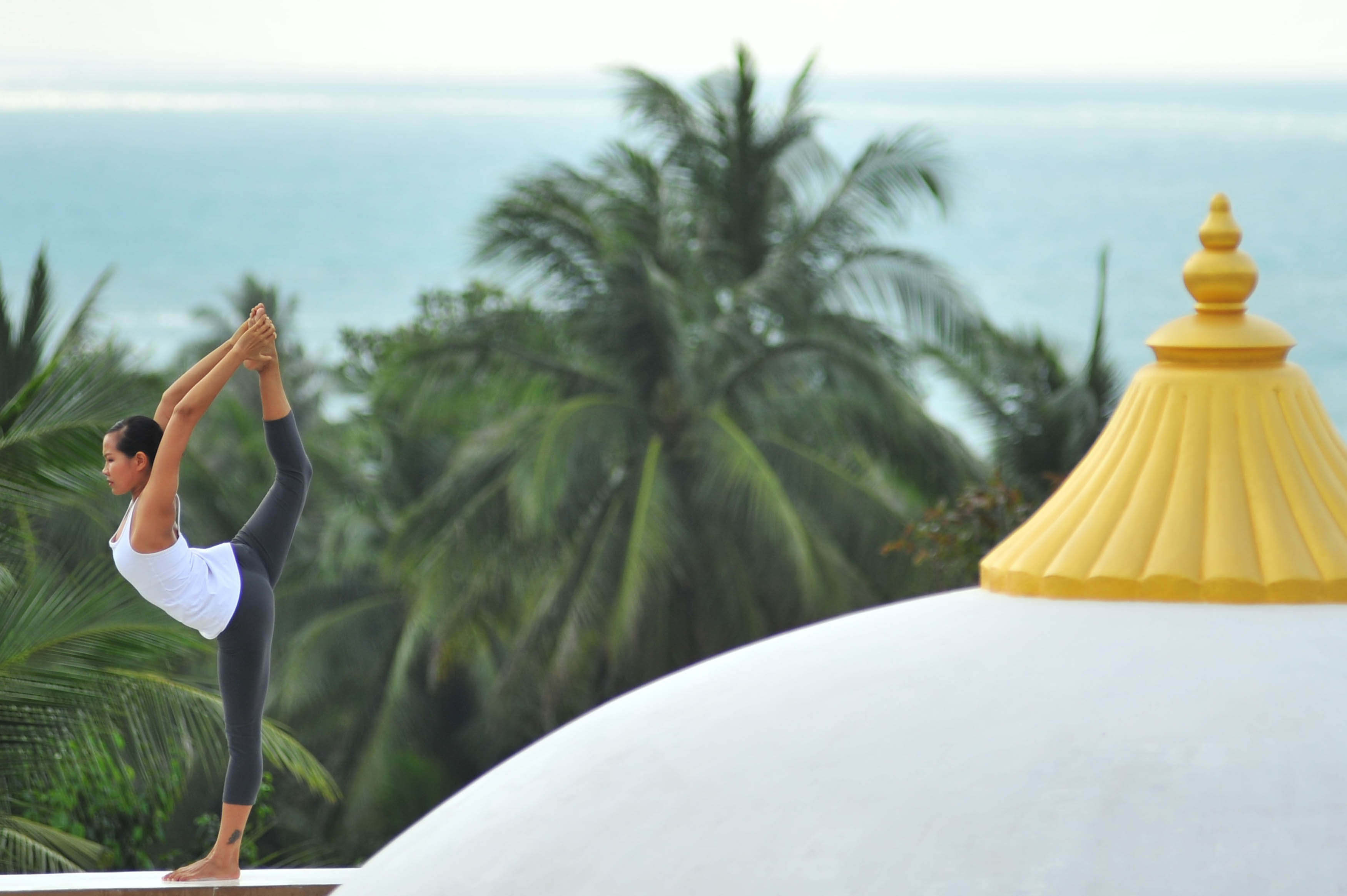 absolute-sanctuary_yoga-rooftop
